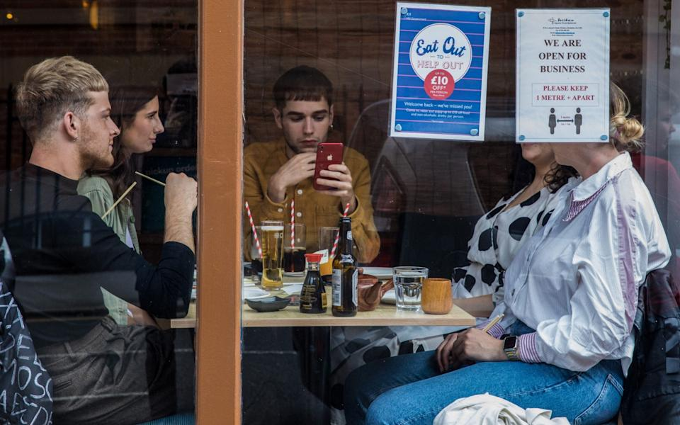 A group of people eating in Windsor - Mark Kerrison /In Pictures