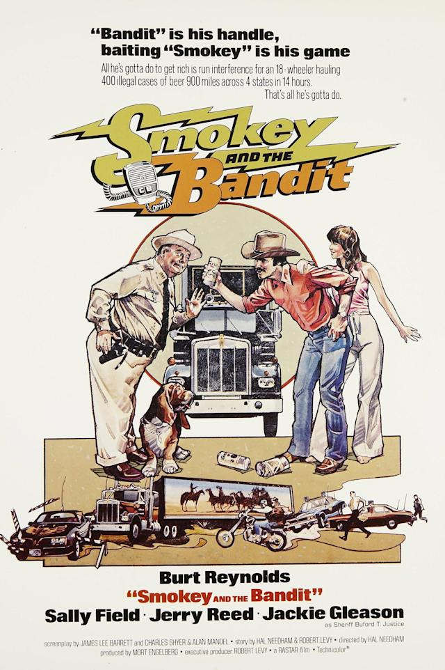 Smokey And The Bandit, poster, US poster, from left: Jackie Gleason, Burt Reynolds, Sally Field, 1977. (Photo by LMPC via Getty Images)