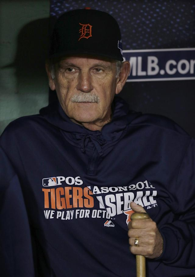 Detroit Tigers manager Jim Leyland watches batting practice from the dugout before Game 6 of the American League baseball championship series against the Boston Red Sox on Saturday, Oct. 19, 2013, in Boston. (AP Photo/Charles Krupa)