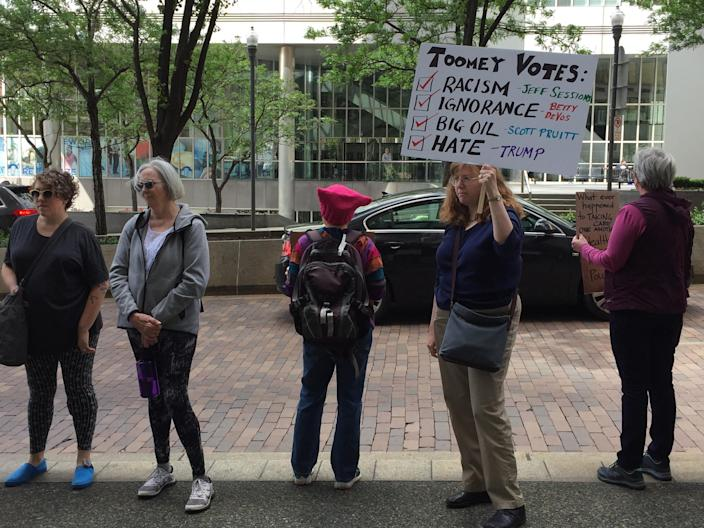 Tuesdays with Toomey protesters outside Republican Sen. Pat Toomey's Pittsburgh district office. (Photo: Garance Franke-Ruta/Yahoo News)