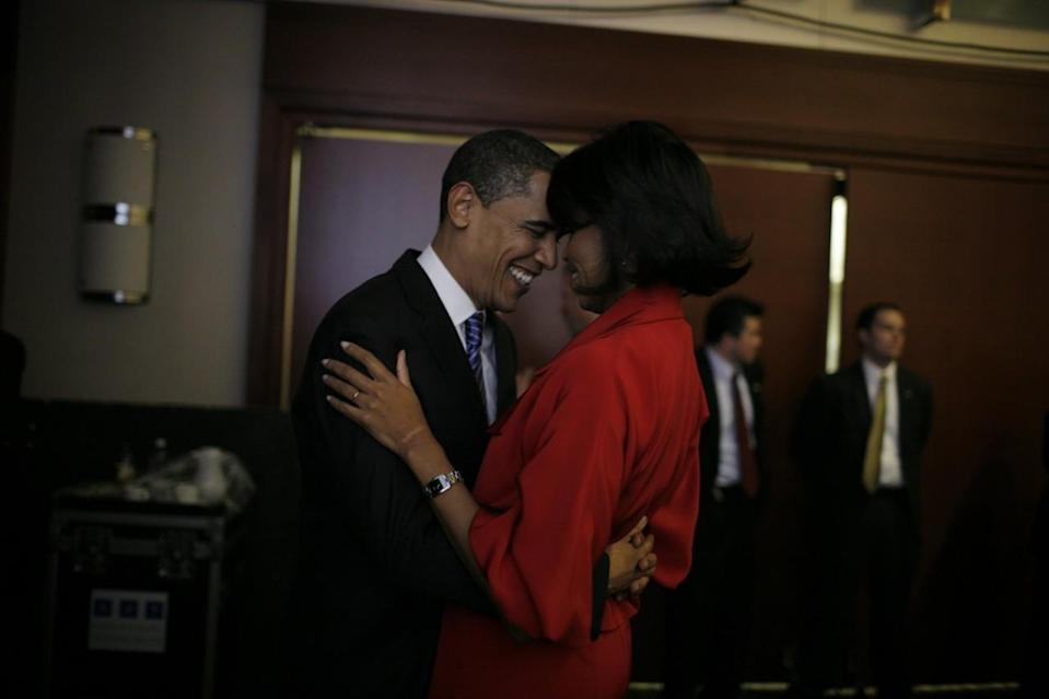 <p>When they shared a moment backstage before a rally in Chicago in 2008. [Photo: Getty/Charles Ommanney]</p>