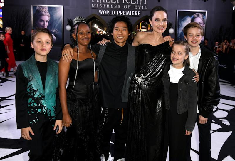 "LOS ANGELES, CALIFORNIA - SEPTEMBER 30: (L-R) Knox Leon Jolie-Pitt, Zahara Marley Jolie-Pitt, Pax Thien Jolie-Pitt, Angelina Pitt, Vivienne Marcheline Jolie-Pitt and Shiloh Nouvel Jolie-Pitt arrive at the premiere of Disney's ""Maleficent: Mistress Of Evil"" at the El Capitan Theatre on September 30, 2019 in Los Angeles, California. (Photo by Kevin Winter/Getty Images)"