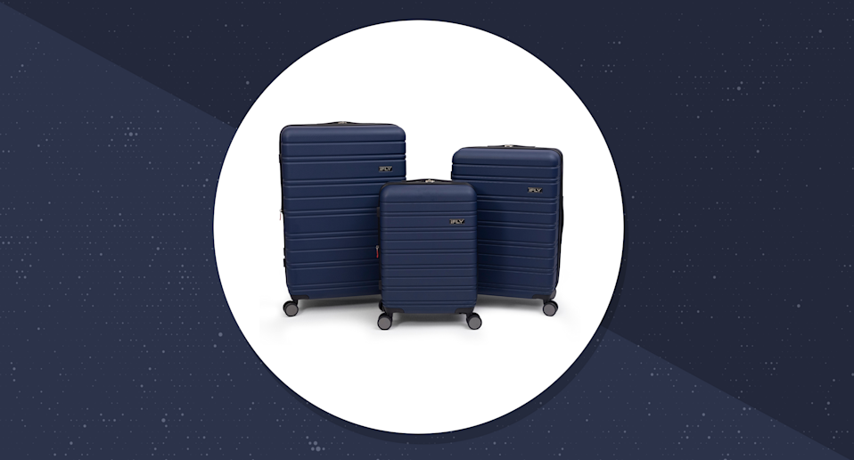 See more of the world with this luggage set. (Photo: Walmart/Yahoo Lifestyle)