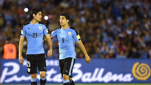 ivia ​Uruguay duo Edinson Cavani and Luis Suarez seemed to have a falling out after a heated exchange of words on the pitch during their World Cup qualification game against Bolivia. Uruguay confirmed their World Cup qualification with a 4-2 win against Bolivia. Two goals from Barcelona star Luis Suarez confirmed victory in Montevideo. Cavani joined Suarez on the score sheet, who managed one goal on the night. But celebrations between the pair were muted as the two forwards were seen arguing...