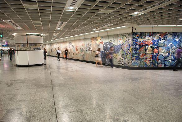 Prvacki's murals at Dhoby Ghaut MRT Station. (Photo: Delia Prvacki)