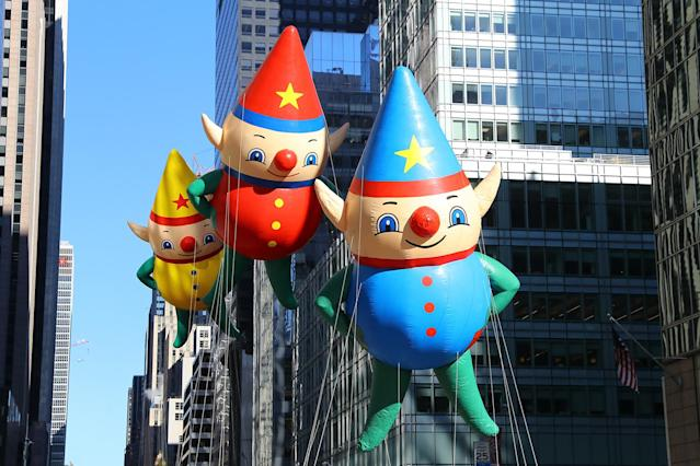 <p>Holiday Elves Charlie, Kit and C.J. journey down Sixth Avenue in the 91st Macy's Thanksgiving Day Parade in New York, Nov. 23, 2017. (Photo: Gordon Donovan/Yahoo News) </p>