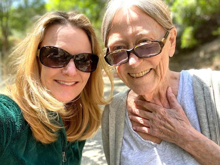 """Anne Rimoin, left, professor of epidemiology at UCLA, isolated herself for two weeks so she could safely visit her mom, MaryAnn Rimoin. <span class=""""copyright"""">(Anne Rimoin)</span>"""