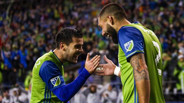 Clint Dempsey Victor Rodriguez MLS Seattle Sounders 11022017