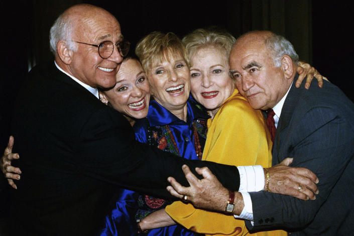 FILE - Former cast members of the Mary Tyler Moore Show, sans Mary Tyler Moore, are reunited for the Museum of Television and Radio's 9th annual Television Festival in Los Angeles on March 21, 1992. From left are Gavin MacLeod, Valerie Harper, Cloris Leachman, Betty White and Ed Asner. Gavin MacLeod has died. His nephew told the trade paper Variety that MacLeod died early Saturday, May 29, 2021. (AP Photo/Craig Fujii, File)