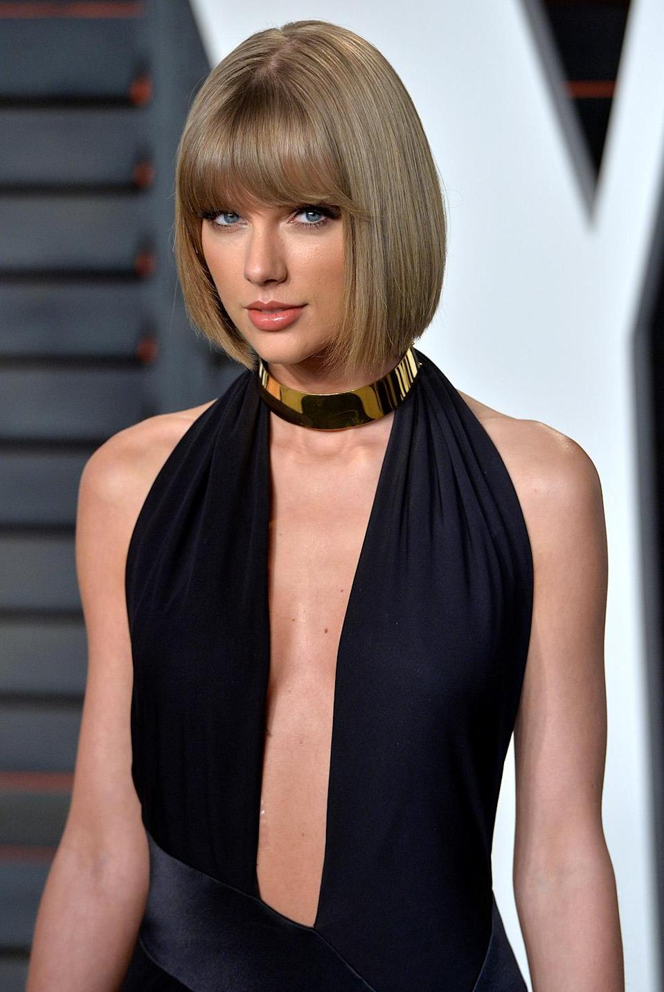 Taylor Swift attends the 2016 <em>Vanity Fair</em> Oscar Party in Beverly Hills. (Photo: Anthony Harvey/Getty Images)