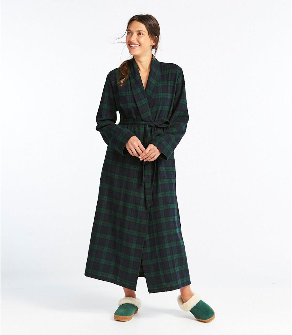 """<h2><a href=""""https://www.llbean.com/llb/shop/118953"""" rel=""""nofollow noopener"""" target=""""_blank"""" data-ylk=""""slk:L.L. Bean Scotch Plaid Flannel Robe"""" class=""""link rapid-noclick-resp"""">L.L. Bean Scotch Plaid Flannel Robe</a></h2><br>Although flannel skews more towards the holiday season than the spring, depending upon where your mom lives (and how cold she tends to get) this super-soft plaid style is an absolute robe classic. <br><br>Oh, and an absolute customer favorite too: """"I love this robe. It's very soft. It fits great. And it's not overly warm which is a problem with some flannel robes. Just amazing."""" <br><br><br><br><strong>L.L. Bean</strong> Scotch Plaid Flannel Robe, $, available at <a href=""""https://go.skimresources.com/?id=30283X879131&url=https%3A%2F%2Fwww.llbean.com%2Fllb%2Fshop%2F118953"""" rel=""""nofollow noopener"""" target=""""_blank"""" data-ylk=""""slk:L.L. Bean"""" class=""""link rapid-noclick-resp"""">L.L. Bean</a>"""