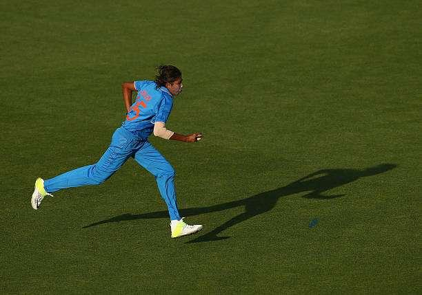 HOBART, AUSTRALIA - FEBRUARY 05: Jhulan Goswami of India runs in to bowl during game two of the women's one day international series between Australia and India at Blundstone Arena on February 5, 2016 in Hobart, Australia. (Photo by Robert Cianflone/Getty Images)