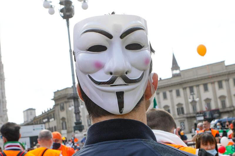 Demonstration in the squares of Italy of the 'Gilet Arancioni', a new political party led by former General Antonio Pappalardo, whose ideal is the return to the lira and monetary sovereignty, as well as the request for a government voted by the people. During the demonstration, the social distances and the mask foreseen by the Covid-19 emergency were not respected, Milan, Italy, May 30 2020 (Photo by Mairo Cinquetti/NurPhoto via Getty Images) (Photo: NurPhoto via Getty Images)