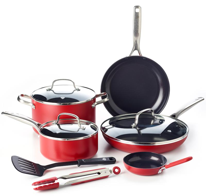Blue Diamond Ceramic Non-Stick Ultimate Value Cookware Set, Red (Credit: Walmart)