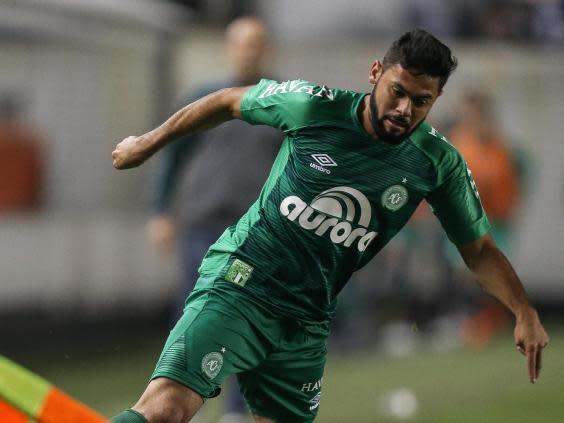 Lourency in action for Chapecoense against Santos (Getty)