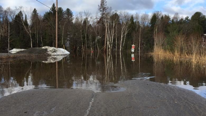 Heavy rain leads to flooding, evacuations in southern Quebec