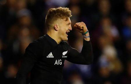 Rugby Union - Autumn Internationals - Scotland vs New Zealand - BT Murrayfield Stadium, Edinburgh, Britain - November 18, 2017 New Zealand's Damian McKenzie celebrates scoring a try REUTERS/Russell Cheyne