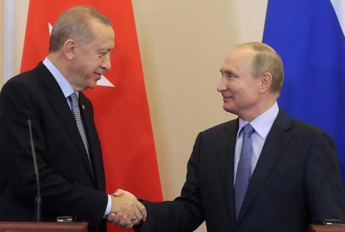 The agreement between Turkish President Recep Tayyip Erdogan (l) and Russia's Vladimir Putin cements Russia and Turkey's roles as the main foreign players in Syria (AFP Photo/Sergei CHIRIKOV)