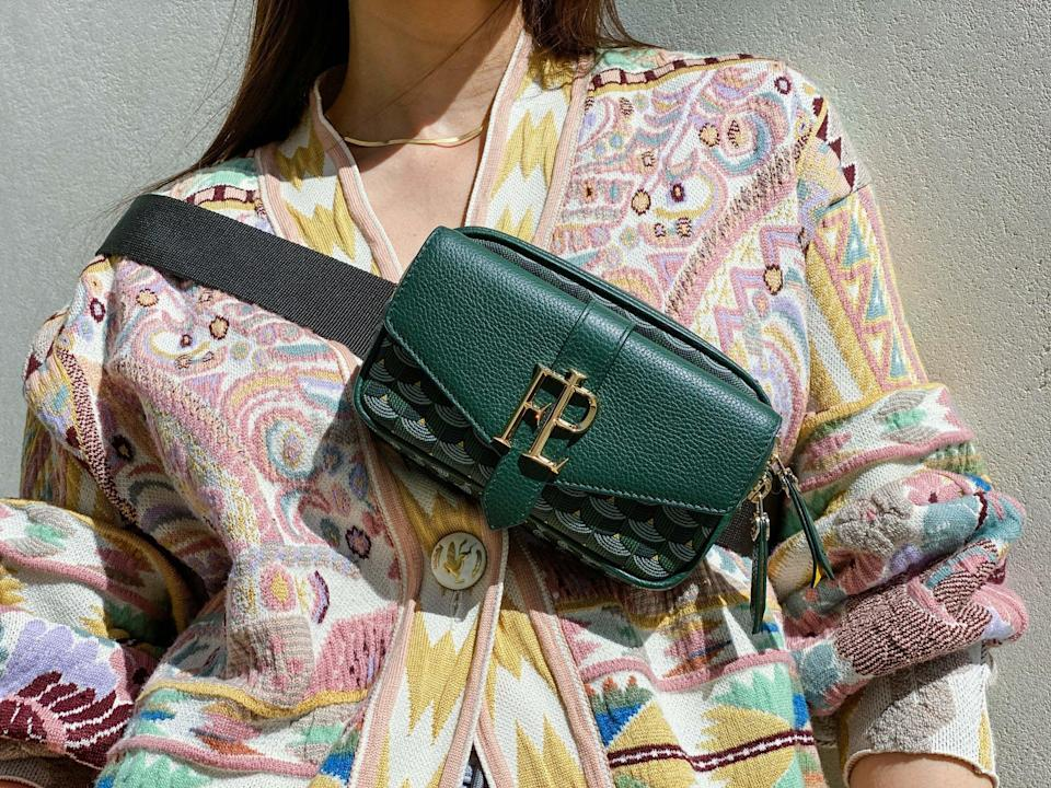 <p>This outfit completely changes just by the positioning of the bag. Wearing it crossbody instead of on your shoulder adds a styling element to the look.</p>