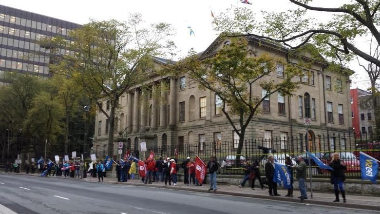 Provincewide collective agreement reached for health-care workers
