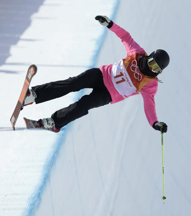 <p>Sabrina Cakmakli, of Germany, crashes during the women's halfpipe final at Phoenix Snow Park at the 2018 Winter Olympics in Pyeongchang, South Korea, Tuesday, Feb. 20, 2018. (AP Photo/Kin Cheung) </p>