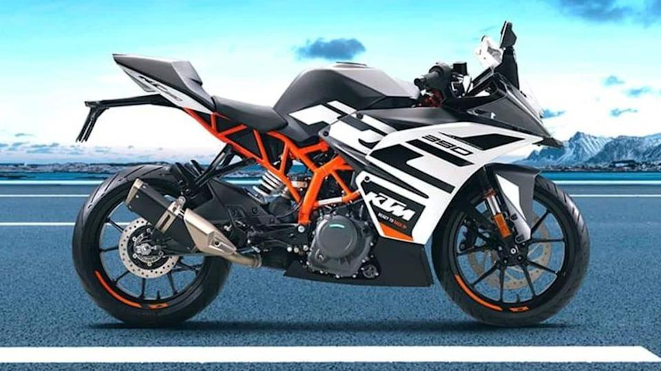 Ahead of launch, KTM RC 390 spied in production-ready guise