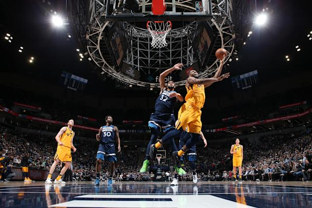 MINNEAPOLIS, MN - APRIL 1: Derrick Favors #15 of the Utah Jazz goes to the basket against the Minnesota Timberwolves on April 1, 2018 at Target Center in Minneapolis, Minnesota. (Photo by Jordan Johnson/NBAE via Getty Images)