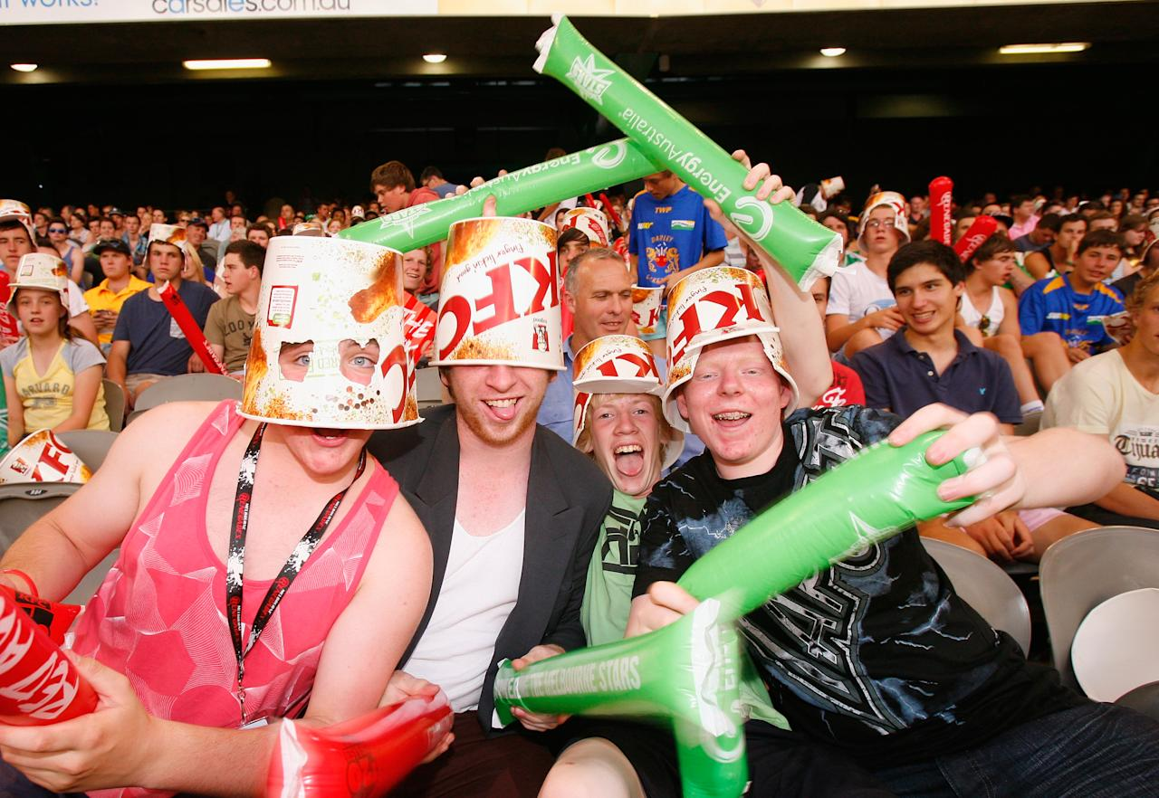 MELBOURNE, AUSTRALIA - DECEMBER 07:  Fans enjoy the atmosphere during the Big Bash League match between the Melbourne Renegades and the Melbourne Stars at Etihad Stadium on December 7, 2012 in Melbourne, Australia.  (Photo by Scott Barbour/Getty Images)