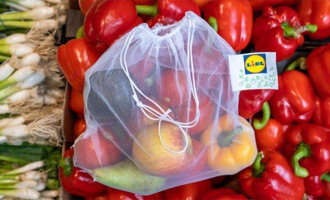 They've launched the bags in a bid to cut down on plastic waste. [Photo: Lidl]