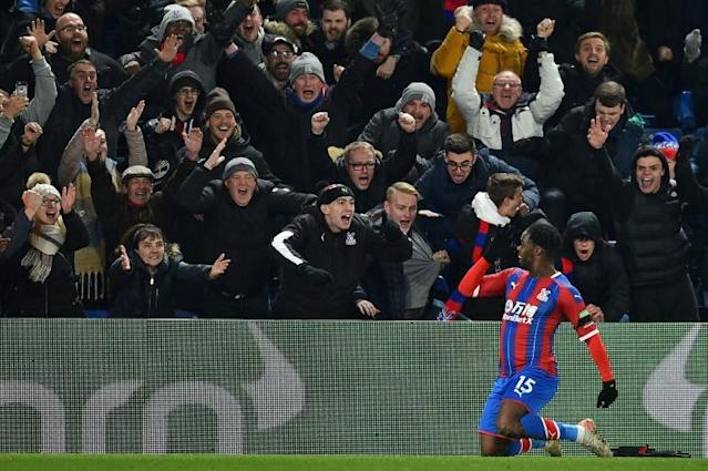 Crystal Palace's Jeffrey Schlupp celebrates his winning goal against Bournemouth (AFP Photo/Glyn KIRK )