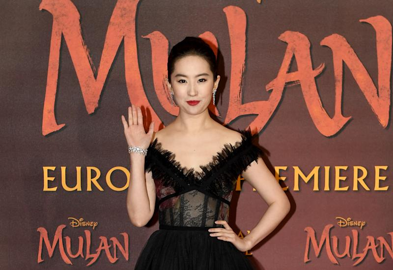Liu Yifei en el estreno de Mulán (Photo by Ian Gavan/Getty Images for Disney)