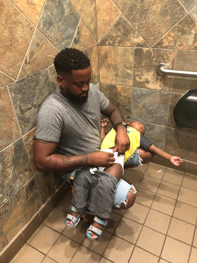 Pampers Announces Commitment to Provide 5,000 Baby Changing Tables for Installation in Public Restrooms