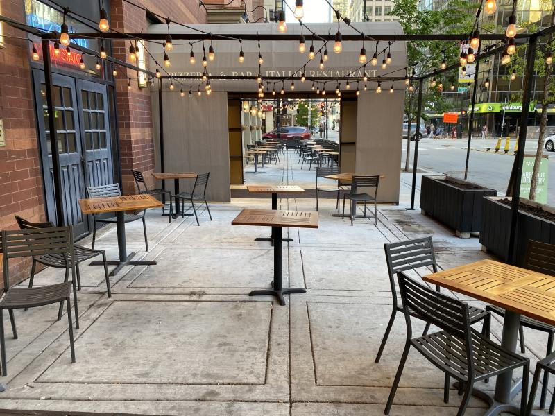 The restaurants and streets of Chicago were empty over Memorial Day weekend. (Yahoo)