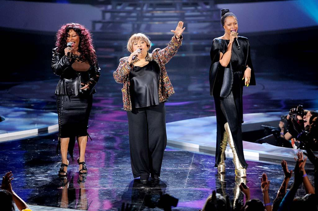 "Later in the evening, Chaka joined Gospel/R&B legend Mavis Staples and Erykah Badu for a performance of ""I'll Take You There."" (12/18/2011)"