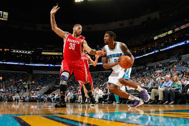 Royce White (L) left the NBA and plans to compete as an MMA fighter. (Photo by Chris Graythen/Getty Images)