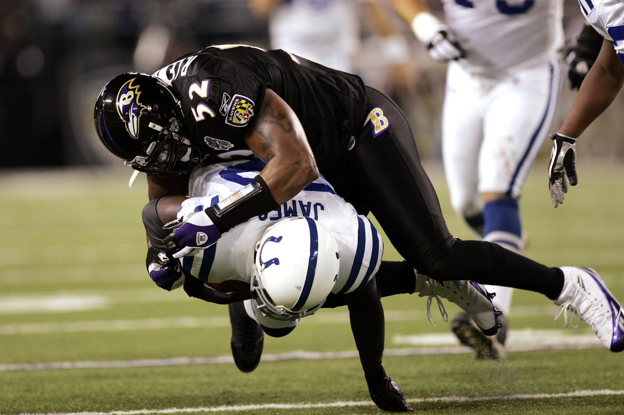 BALTIMORE - SEPTEMBER 11: Ray Lewis #52 of the Baltimore Ravens tackles Edgerrin James #32 of the Indianapolis Colts at M&T Bank Stadium on September 11, 2005 in Baltimore, Maryland. The Colts defeated the Ravens 24-7. (Photo by Joe Robbins/Getty Images)