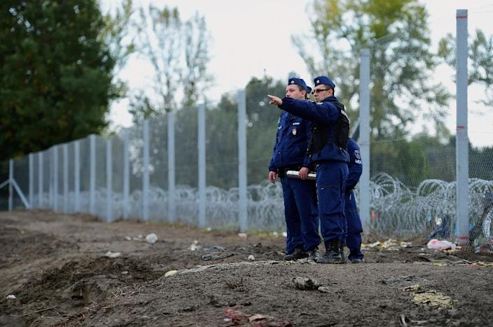"""The border between Hungary and Croatia was closed to """"illegal"""" migrants in october 2015 (AFP Photo/Attila Kisbenedek)"""