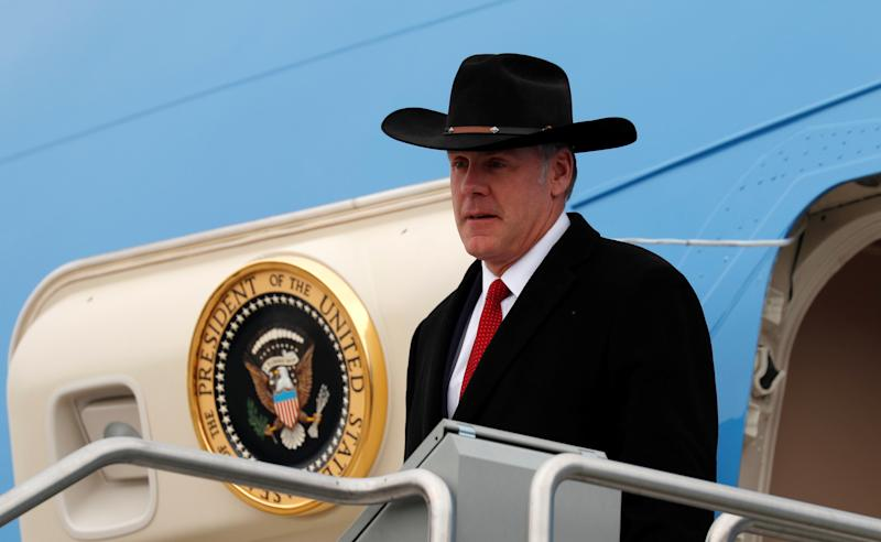 Interior Secretary Ryan Zinke steps from Air Force One as President Donald Trump arrives in Salt Lake City, Utah, on Dec. 4, 2017. (Kevin Lamarque / Reuters)