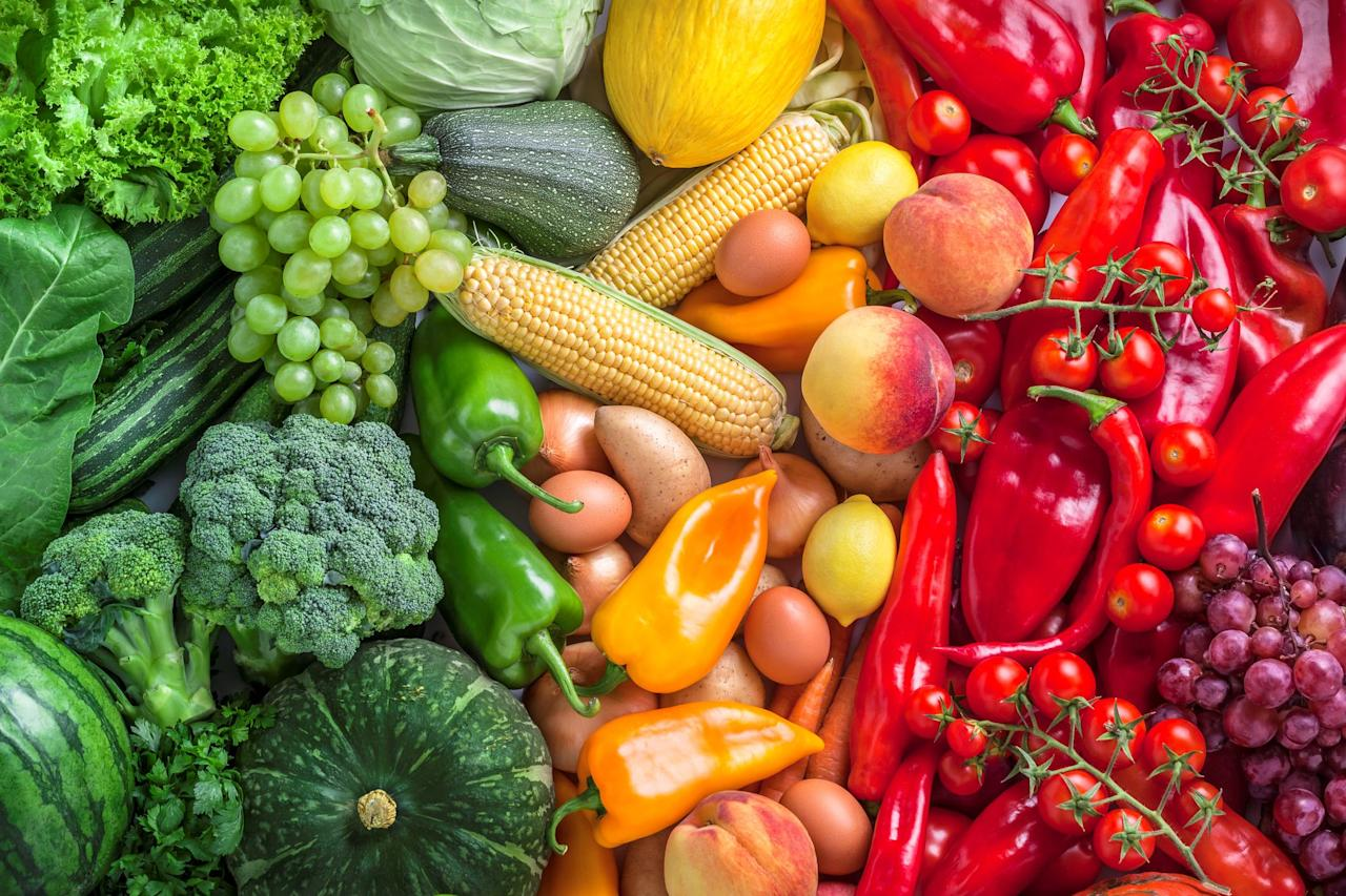 """<p>We all get by with a little help from our friends, and the food we eat is no different. When we pair certain ingredients, their nutrients join forces to produce <a href=""""https://www.prevention.com/food/food-remedies/10-foods-that-help-fight-inflammation/"""">inflammation-fighting health benefits</a> that seriously surpass what you'd get if you snacked on them alone, according to <a href=""""http://www.eatforextraordinaryhealthandhealing.com/eatforhealthandhealing/index?keycode=258412&rdl_source=prevention.com&rdl_medium=textlink&rdl_campaign=7FoodPairingsThatFightInflammation&rdl_content=048190&rdl_term=Food"""" target=""""_blank""""><em>Eat for Extraordinary Health & Healing</em></a>. Check out a few of our favorite power pairs below, and learn why two is always better than one. </p>"""