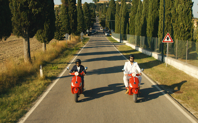 Aziz Ansari as Dev and Eric Wareheim as Arnold in Netflix's 'Master of None' (Photo: Netflix)
