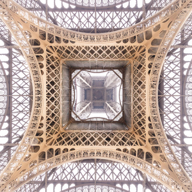 <p>The Eiffel Tower, Paris. (Photo: Loic Lagard/Caters News) </p>