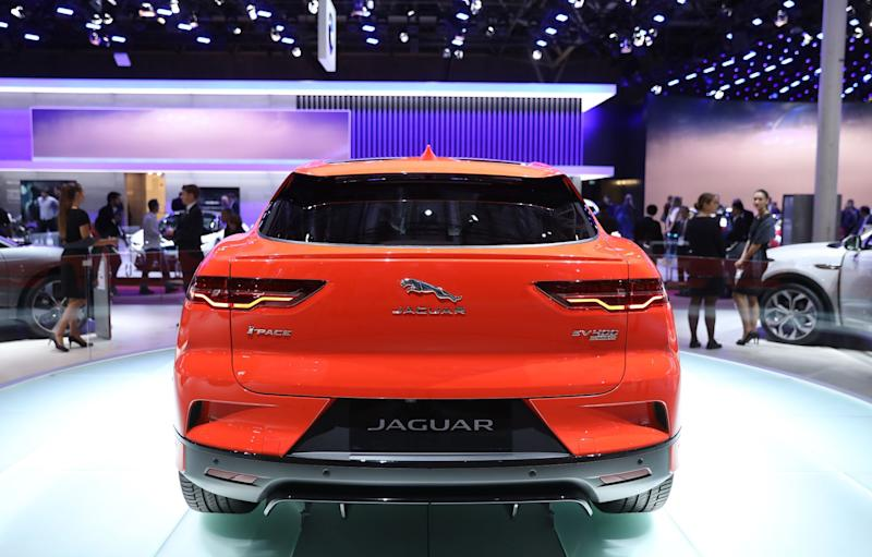 U.K. Gives Jaguar Land Rover 500 Million-Pound Loan Guarantee