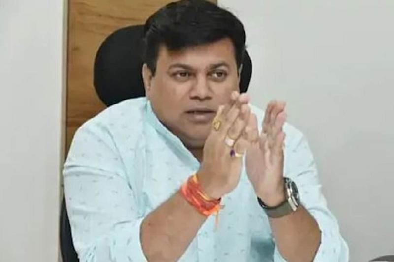 How Can Exams be Held If Schools & Colleges Are Shut, Asks Maha Education Minister