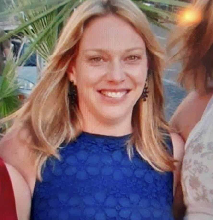 Amanda Hull. See SWNS story SWMDmissing. Police are appealing for help to locate missing Amanda Hull from Ombersley. The 38-year-old was last seen on Haye Lane in Ombersley at 9am today (Saturday 22 May). She is described as white, approximately 5ft tall with blonde hair usually worn in a ponytail and was last seen wearing a bright yellow jacket and brown riding boots. She has links to areas in Ombersley and Droitwich but may have travelled further.