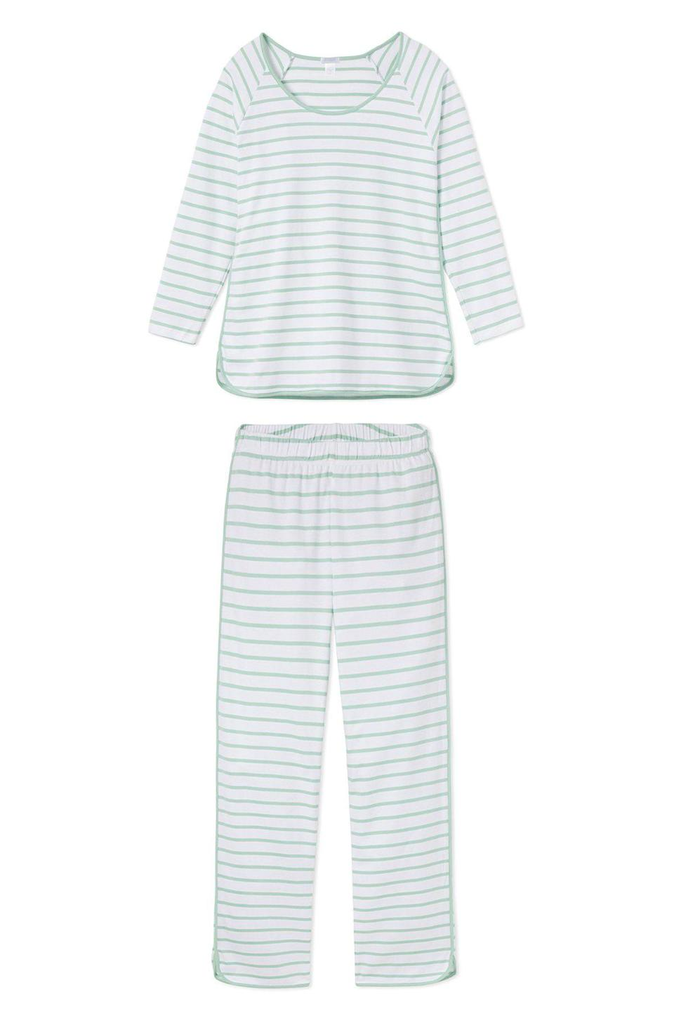 """<p>lakepajamas.com</p><p><strong>$114.00</strong></p><p><a href=""""https://go.redirectingat.com?id=74968X1596630&url=https%3A%2F%2Flakepajamas.com%2Fproducts%2Fspring-green-long-tall-set&sref=https%3A%2F%2Fwww.townandcountrymag.com%2Fstyle%2Fg27168800%2Flast-minute-mothers-day-gifts%2F"""" rel=""""nofollow noopener"""" target=""""_blank"""" data-ylk=""""slk:Shop Now"""" class=""""link rapid-noclick-resp"""">Shop Now</a></p><p>We'll say it once, we'll say it always: comfortable and cute <a href=""""https://www.townandcountrymag.com/style/fashion-trends/g29598470/best-pajamas-for-women/"""" rel=""""nofollow noopener"""" target=""""_blank"""" data-ylk=""""slk:pajamas"""" class=""""link rapid-noclick-resp"""">pajamas</a> are a perennially fabulous gift. Lake's pima cotton jammies, which come in fresh hues and prints, are proof. </p>"""