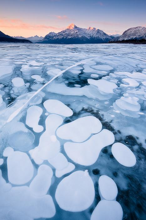 Here you can see frozen bubbles trapped beneath the surface.  (Photo: Emmanuel Coupe)