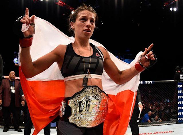 Joanna Jedrzejczyk celebrates after her decision win over Claudia Gadelha on Friday. (Getty)