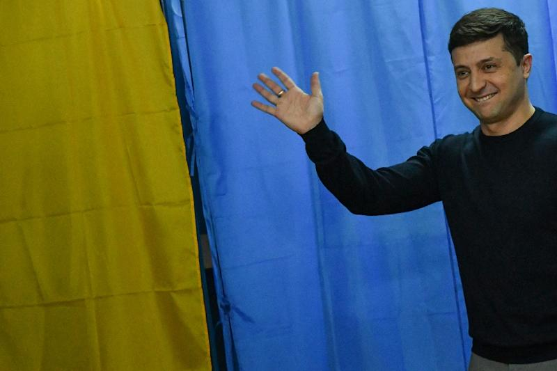 Comedian Zelenskiy would win second round of Ukraine vote, poll shows