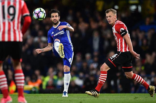 Chelsea's midfielder Cesc Fabregas (centre) in action during the Premier League match against Southampton at Stamford Bridge in London, on April 25, 2017 (AFP Photo/Glyn KIRK )