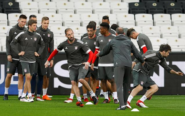 Soccer Football - Champions League - Bayern Munich Training - Vodafone Arena, Istanbul, Turkey - March 13, 2018 Bayern Munich's Tom Starke during training REUTERS/Murad Sezer